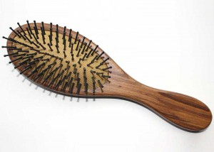 Wooden Oval Cushion Brush With Nylon Bristle B2